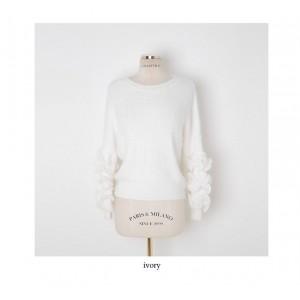 سويتر ايفوري فروي Cherryville - Frill-Sleeve Furry Sweater - Ivory